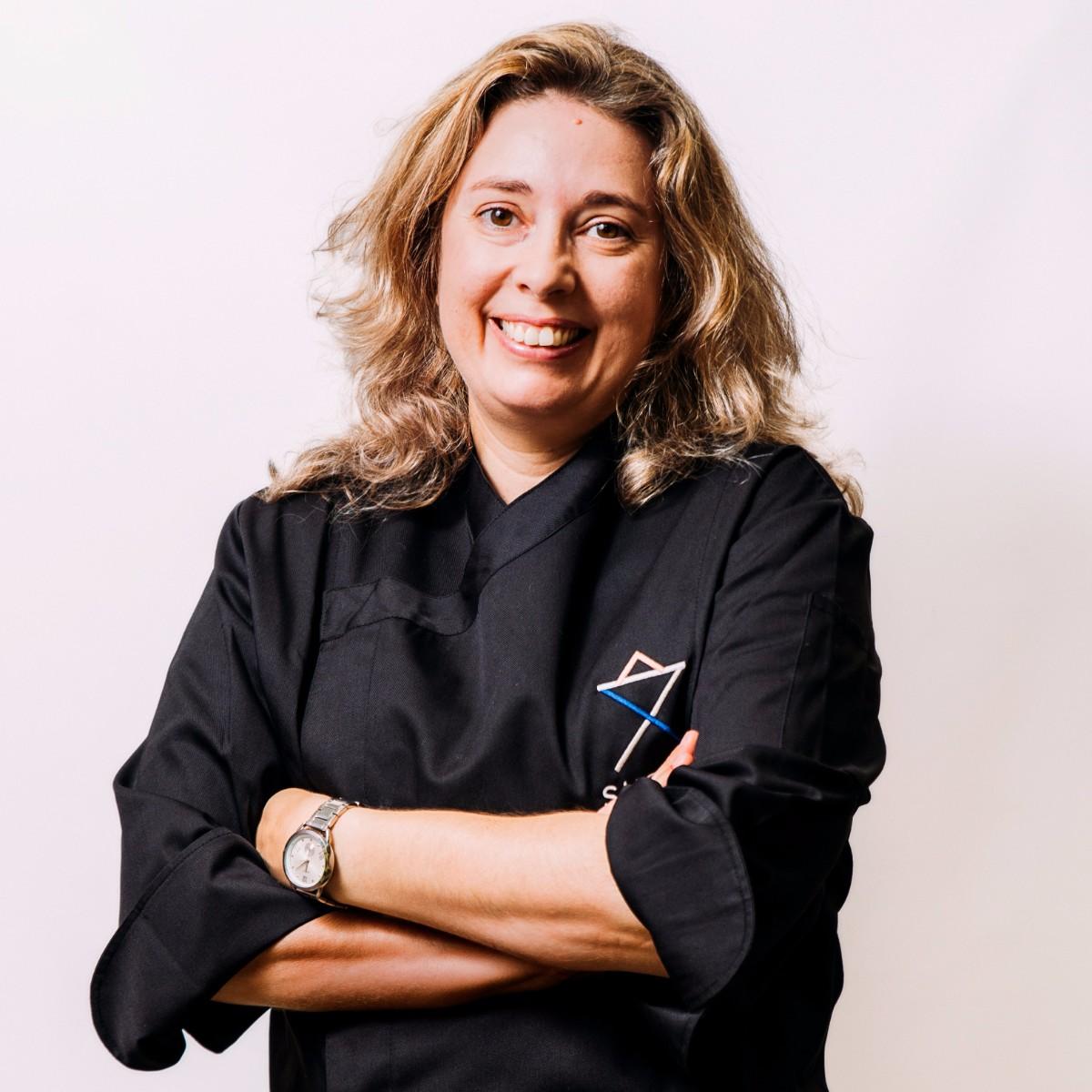 Carla Medeiros